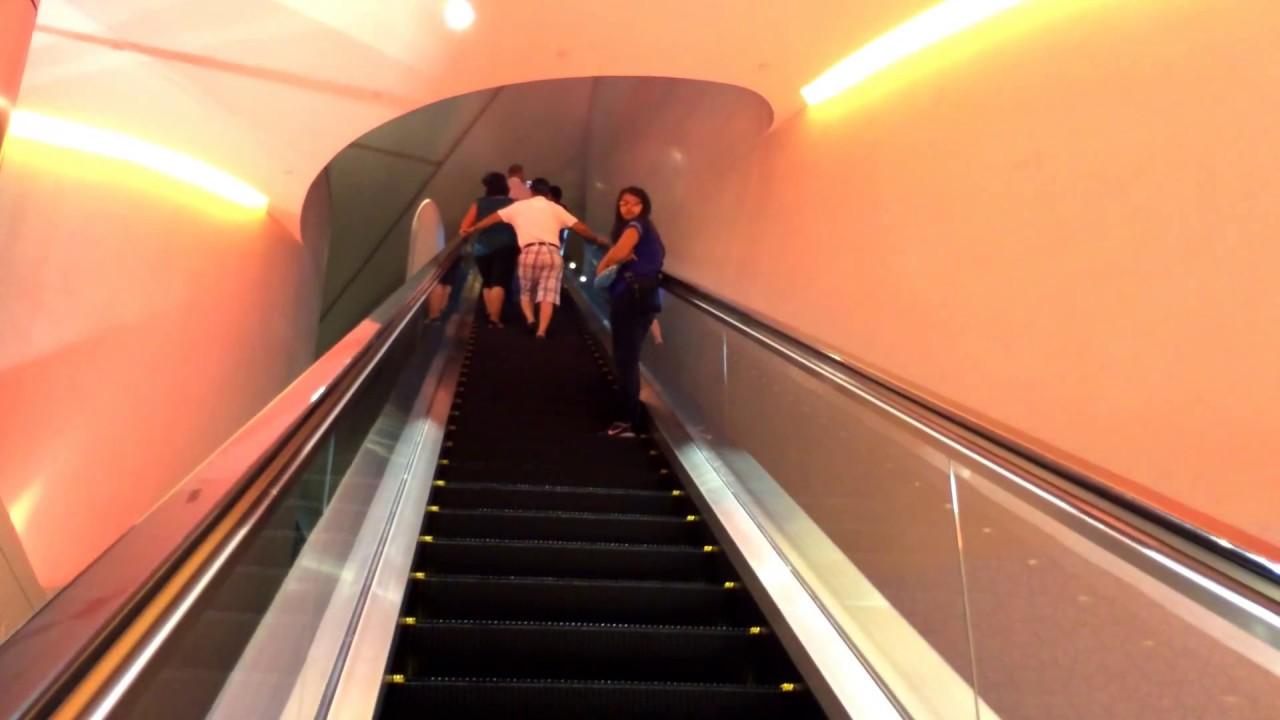 لمن لم يشاهده من قبل برج خليفة من الداخل Inside Of Burj Khalifa