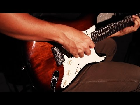 Fender Ltd Ed American Deluxe Mahogany HSS Stratocaster