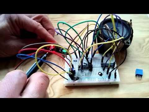 DIY Sawtooth SYNTH 4093B Schmitt Trigger NAND Gate IC electronics project