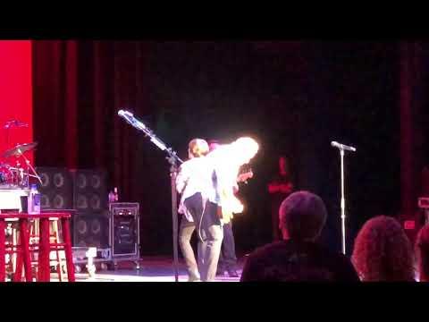 Pat Benatar- We Live For Love  7/18/18 Huntsville, AL