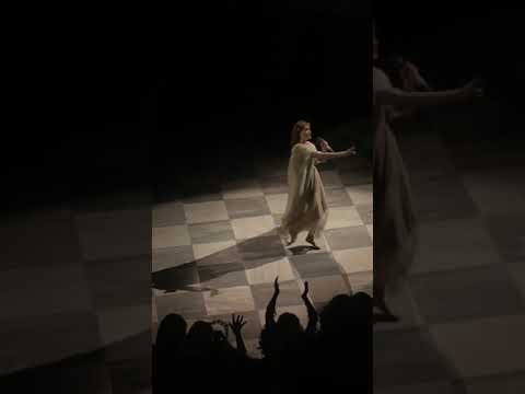 florence-+-the-machine---what-kind-of-man-(live-@-herodes-atticus-odeon)