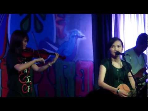 Torete - Acel van Ommen with Moonstar88 and Eunice of Gracenote