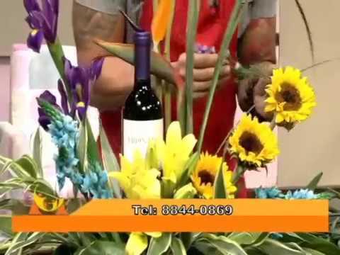 Como Hacer Un Arreglo De Flores Con Botella De Vino Para Papa