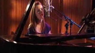 """Twisted""- Cassandra Kubinski Live. Feat. Abby"