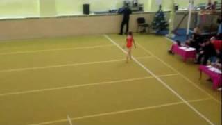 Аня, спортивная гимнастика, вольные упражнения (20.12.2011)