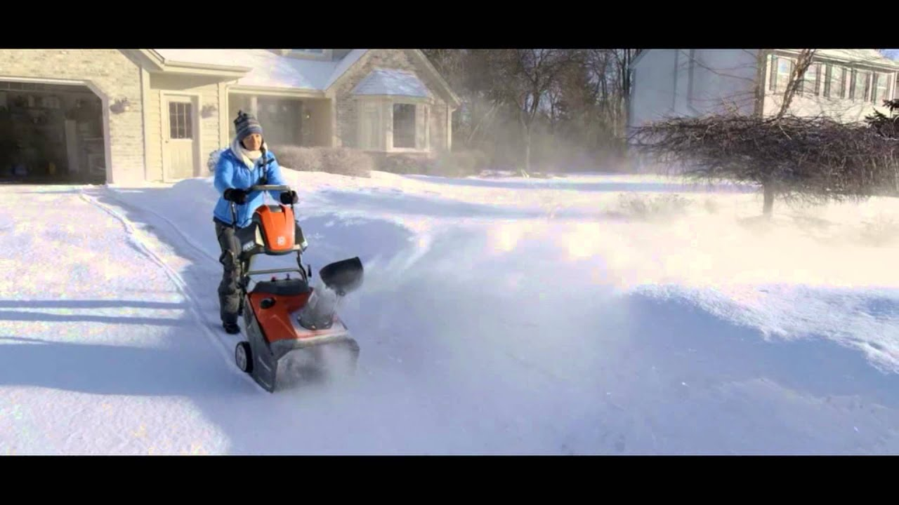 Husqvarna 100 Series Snow Throwers | Husqvarna Canada