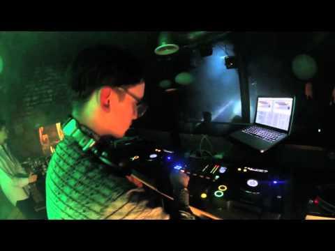 iDiOSYNC 08/03 - Kris Wadsworth (Hypercolour /One ...