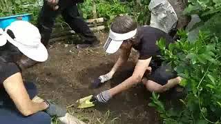 (8/8) เตรียมดินปลูกผักลงมือปลูกกันต่อและเปลี่ยนขยะให้เป็นดิน กับพี่สมบัติ สวัสดิ์ผล