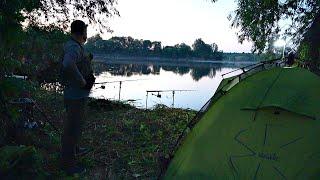 Рыбалка с ночевкой Отличный отдых на природе Нашел хорошего карася