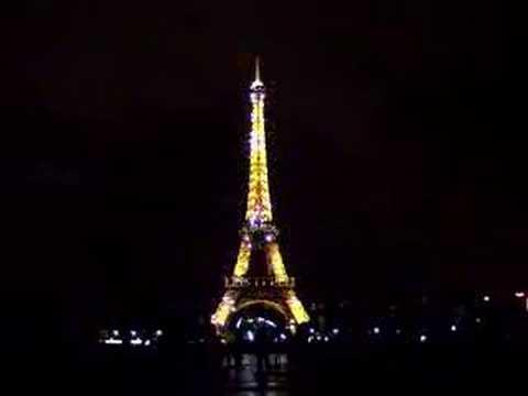 eiffel tower flashing light show youtube
