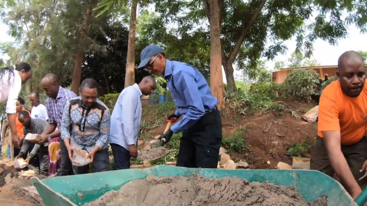 President Kagame Cleans Kigali Rwanda With Citizens