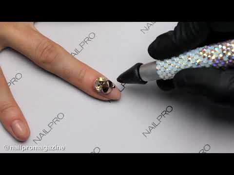 How to Adhere Gems on Nails That Actually Last