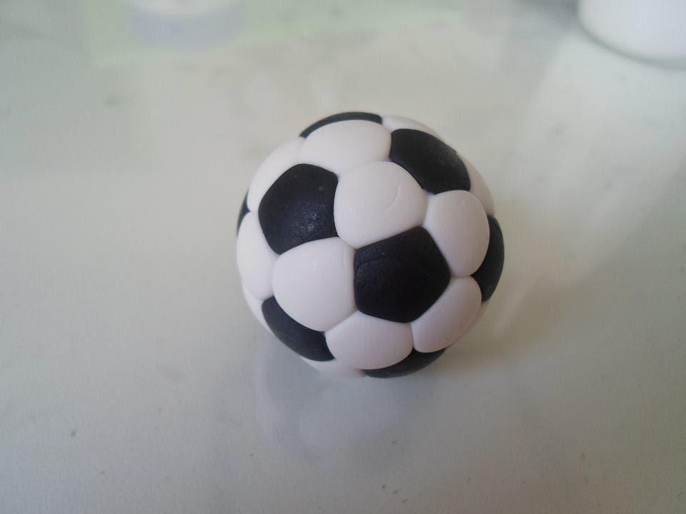 Aula bola de futebol em biscuit - YouTube e51fd1d3cc991