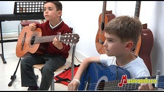 Conoce las clases de iniciación musical con el método Mi Guitarra de Musicaeduca