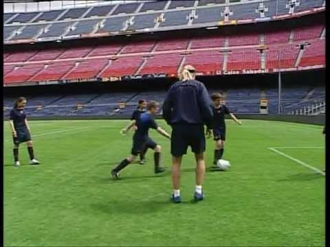 FC BARCELONA - GIULY & MAXI LOPEZ SOCCER LESSONS (3/4)