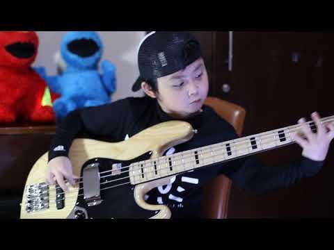 JÉMÉS BONO a.k.a JAMES BOND (Fender American Vintage 75 Jazz Bass)