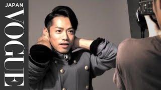 フィギュアスケーター、髙橋大輔が11月28日発売のVOGUE JAPAN 2014年1月...