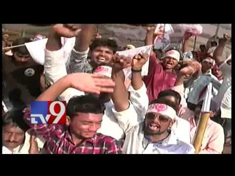 Pawan Kalyan in Mangalagiri for Handloom Weavers Satyagraha - TV9