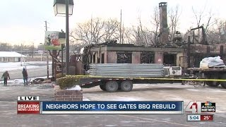 Community reacts after fire burns down Gates Bar-B-Q in Independence