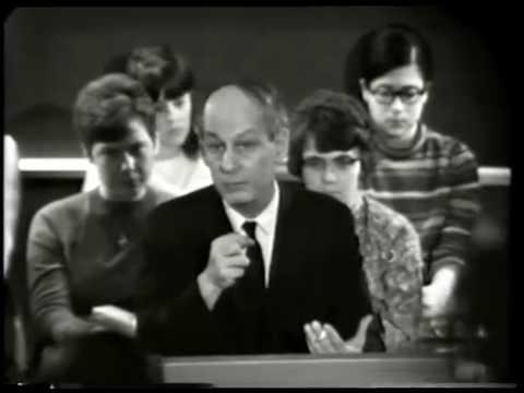 René Lévesque speaks with students of Scarborough College (25 Mar. 1968)