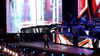Jay Z - Hard Knock Life & Biggie Tribute (BIG Juicy) LIVE @ Home & Home Concert Yankee Stadium
