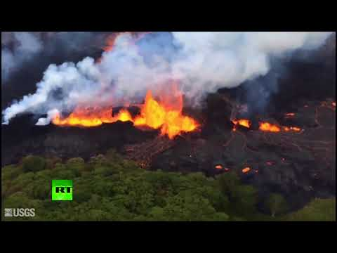 Cracks in the ground spit out streams of lava in Hawaii