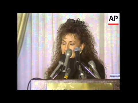 USA: PRESIDENT CLINTON DENIES PROPOSITIONING PAULA JONES