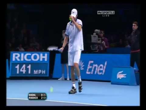 Andy Roddick smashes rocket serves at Nadal 2010 3 ACES IN A ROW!!!