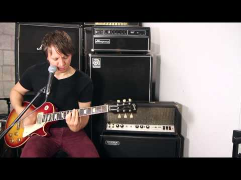 Sunn 190L Volume Cranked Up with a Les Paul