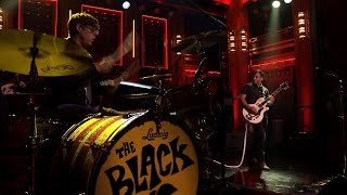 "The Black Keys - ""A Girl Like You"" Tonight Show with Jimmy Fallon (cover Edwyn Collins) HD."