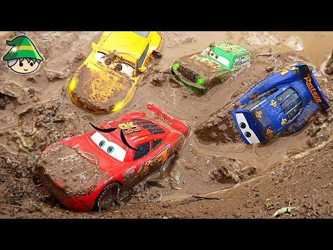 Clay Monster changes the Disney Lightning McQueen color. Learning color by car.