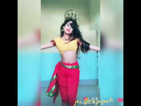 || Humko Aaj kal Hai | Beautiful girl Dancing like madhuri ||