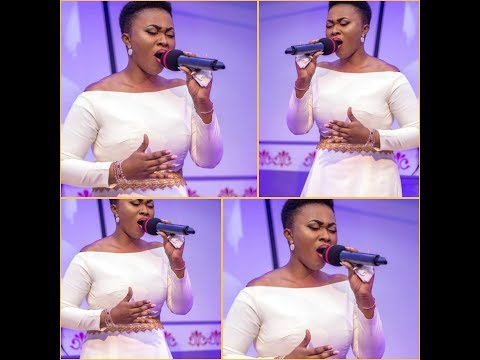 """IYESGH:WATCH & BE BLESS_""""EFE GRACE"""" STORMS IYES WITH POWERFUL SONG MINISTRATION"""