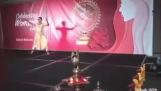 aishwarya dhanush s dance in uno dance patriotic plz don t see