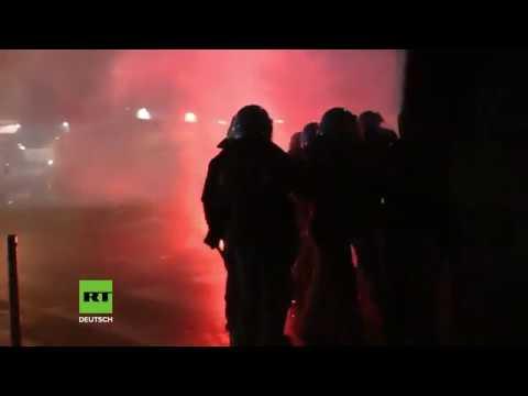 """Italien: Wie im Straßenkrieg - """"Antifaschistische"""" Protestler und Polizei stoßen schwer zusammen"""