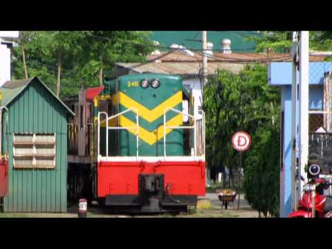 LOCOMOTIVES ARE OPERATING IN SOUTHERN REGION OF VIETNAM (Part 2)