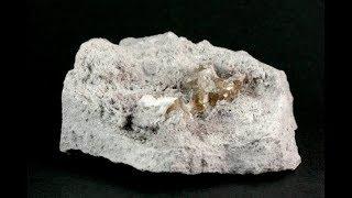 母岩付きトパーズ 結晶 145g / Topaz