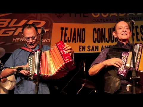 Flaco Jimenez and Santiago Jimenez performing together for the 1st time in 32 years