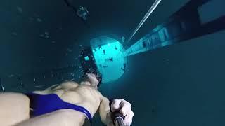 世界一深いプール!!!Y40に一呼吸で潜る男