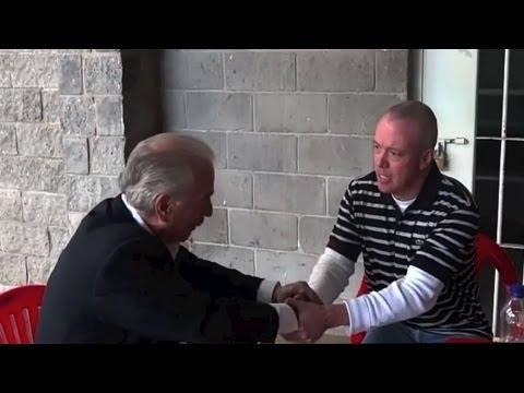 Encuentro cara a cara de ex presidente y su secuestrador - UVideos