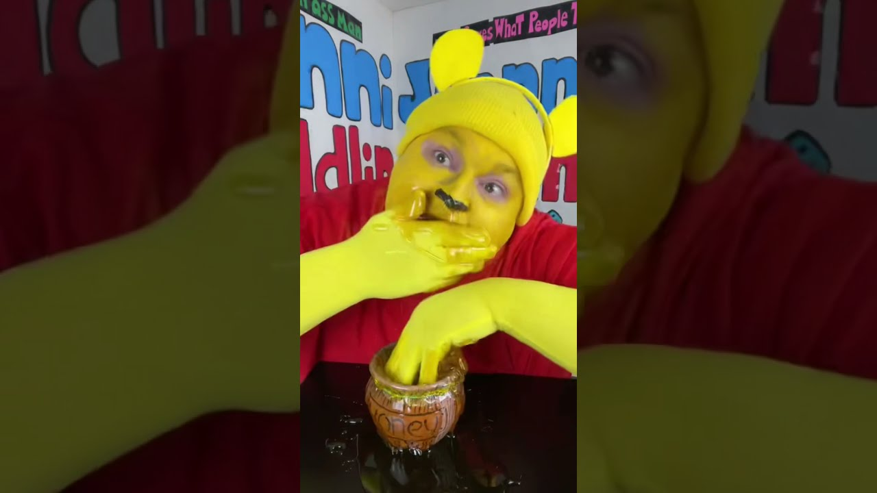 Nom nom nom! Winnie the Pooh!