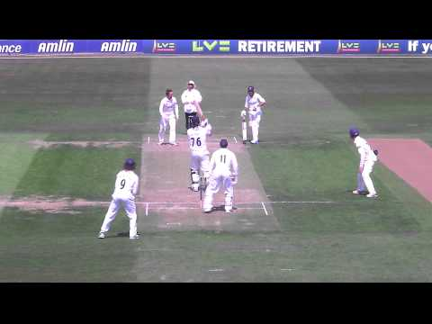 CENTURY WATCH! Big 6 from Jesse Ryder en route to his ton