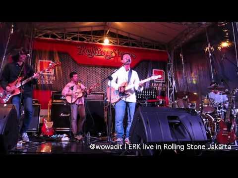 Unduh lagu Efek Rumah Kaca - Ballerina (live @ Rolling Stone Cafe, Jakarta) terbaru