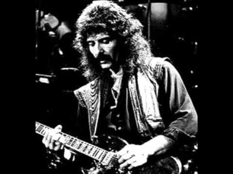 Black Sabbath - Snowblind (Lyrics)