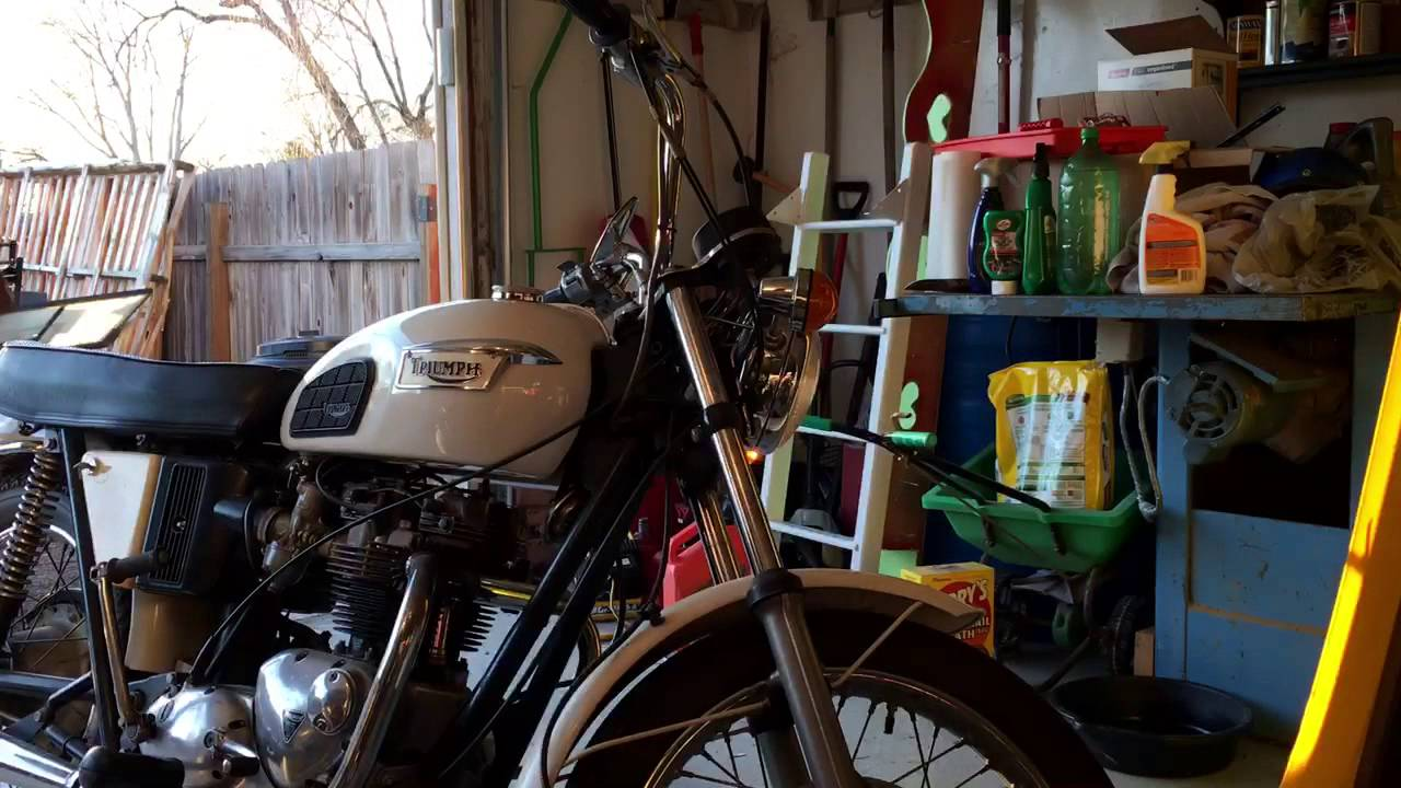 Adjusted Idle On 1971 Triumph Bonneville Youtube