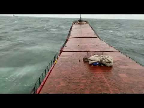 MV Arvin Moment of breaking of the ship (Video)