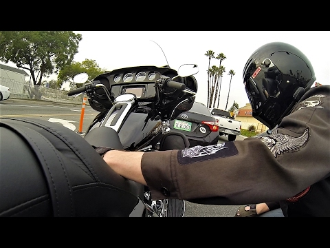 2017 Harley-Davidson Ultra Limited Review & Test Ride │Milwaukee 8 Engine
