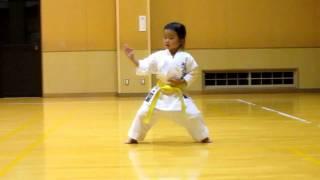 Heian shodan by Mahiro 4 year old girl 四歳女の子の平安初段
