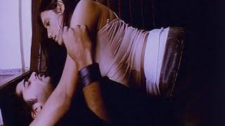 Simbu And Brinda Parekh Excited In Train Scene   Manmadha Movie Love Scenes   TFC Lovers Adda