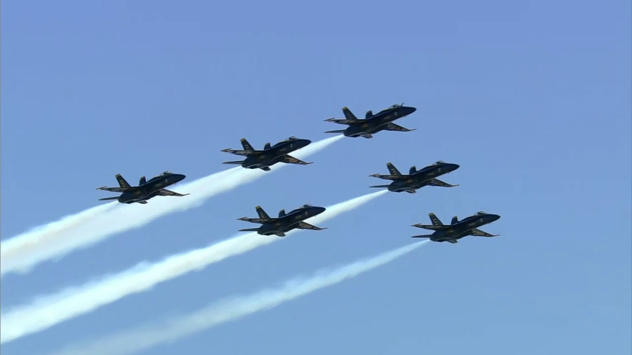 AMAZING FLYOVER: Blue Angels Honor New York City Doctors and Nurses